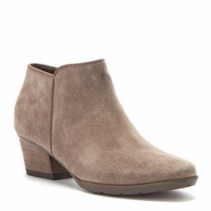 Blondo Villa Waterproof Suede Ankle Bootie Boot